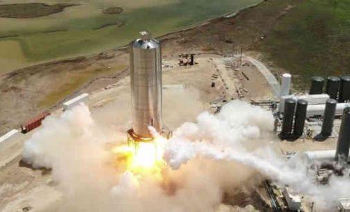 Tarpplanetinio kosminio laivo Starship prototipas sėkmingai praėjo variklio išbandymus
