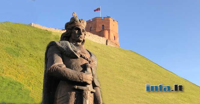 Vytautas Gedimino pilies fone