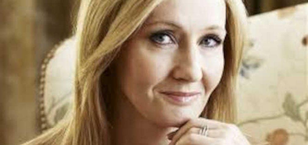 """Kaip """"Haris Poteris"""" knygos autorė netikėtai tapo ne tik sėkmingiausia šiandienos rašytoja, bet ir vedančiąja planetos feministe"""