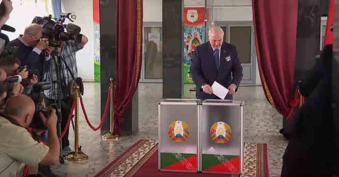 Balsuoja A. Lukašenka (už save)