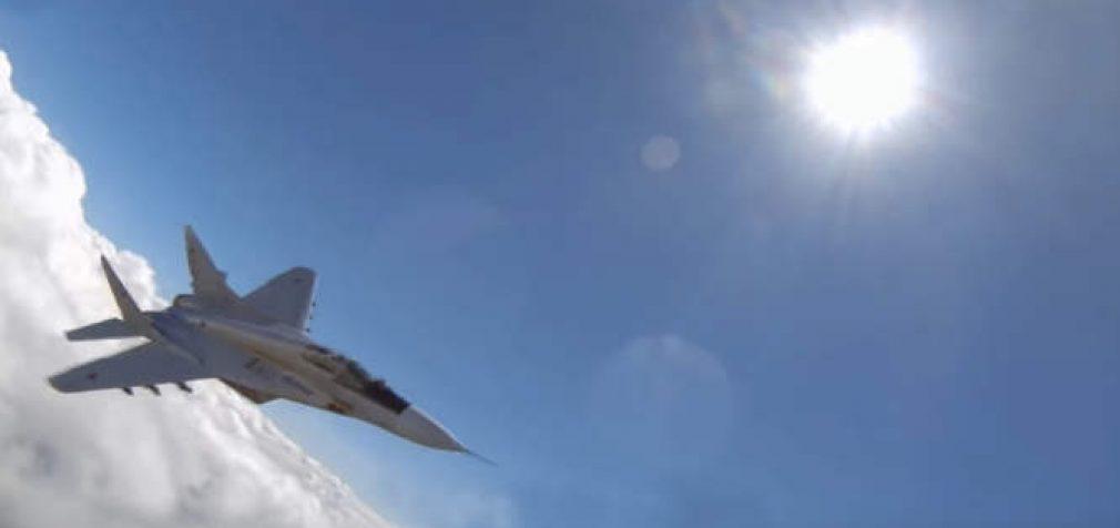 Dirbtinis intelektas inscenizuojamuose mūšiuose sutriuškino JAV karinių oro pajėgų pilotą
