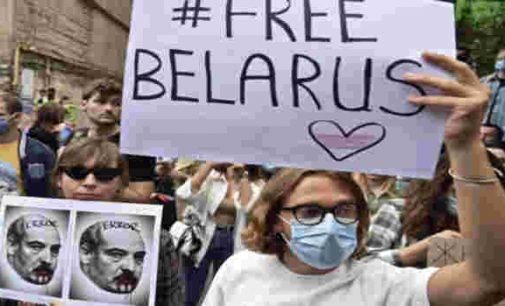 Rinkimų komiteto vadovas Baltarusijoje patvirtino balsavimo rezultatų falsifikacijos faktą