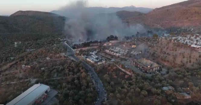 Dega migrantų stovykla