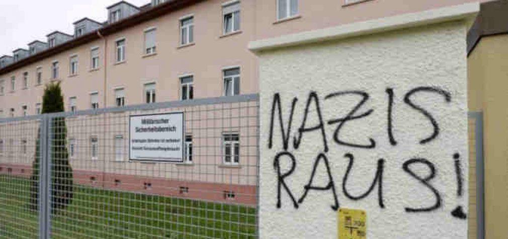 Vokietijoje populiarėja neonacizmas: karo žvalgybos vadovas išleidžiamas į išankstinę pensiją, kaip nepakankamai aktyviai veikęs prieš tai