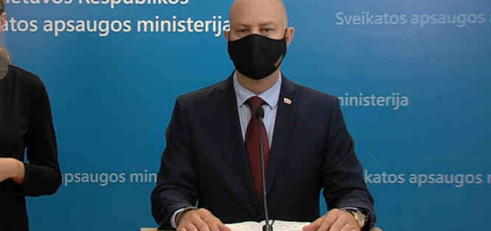 A. Veryga pranešė, jog situaciją su koronaviruso pandemija Lietuvoje vertina kaip labai sudėtingą, kuri niekaip nenori gerėti