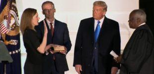 Amy Coney Barrett – naujoji konservatyvi JAV Aukščiausiojo Teismo narė