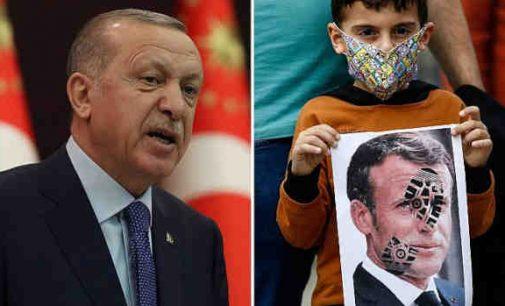 Ankaros generalinė prokuratūra pradėjo bylą prieš Charlie Hebdo dėl Erdogano karikatūrų