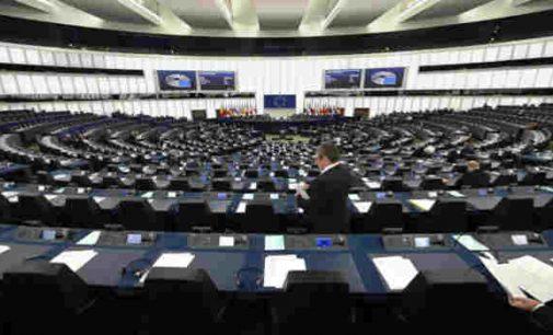 Europos parlamentas – ES teatras?