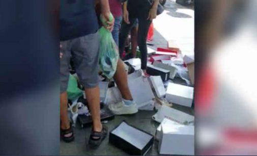 Avalynės parduotuvės Izraelyje savininkas iš nevilties išmetė visas prekes į gatvę ir gavo už tai baudą