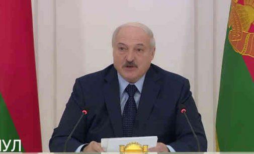 Lukašenka papasakojo kaip išgelbėjo Tichanovkają ir davė jai pinigų pragyvenimui Lietuvoje