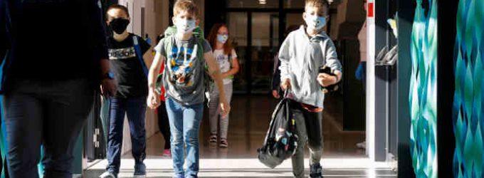 Persirgę ir vakcinuoti mokiniai nebus izoliuojami net jei bus infekuoti