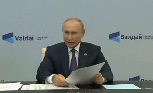 """""""Kad tik nepersišaldytume jūsų laidotuvėse"""", pareiškė Putinas savo nedraugams"""