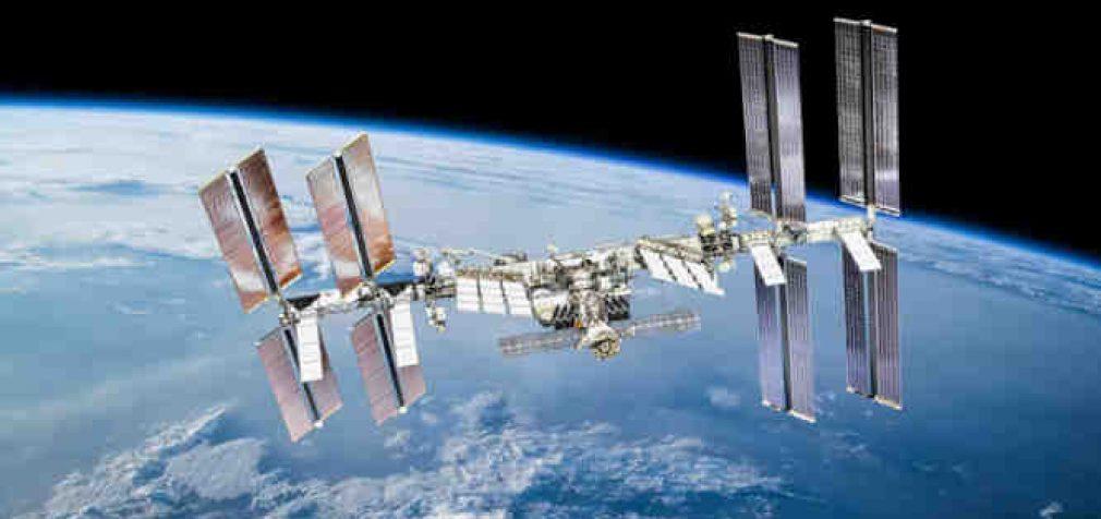 """Rusijoje pasiūlyta """"palaidoti"""" Tarptautinę kosminę stotį"""