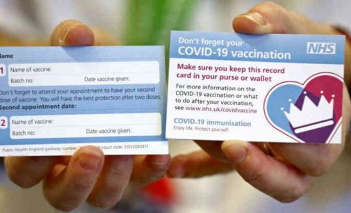 Britanija pradeda masinę vakcinaciją nuo Covid-19
