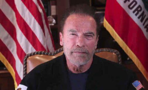 Arnoldas Švarcenegeris pasmerkė Kapitolijaus šturmą ir prilygino jį žydų pogromui