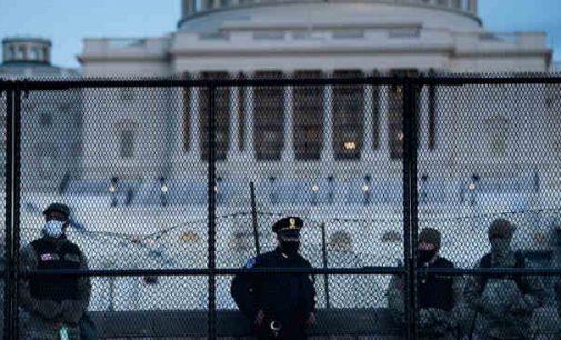 Donaldas Trampas patvirtino ekstremalios padėties Vašingtone deklaraciją