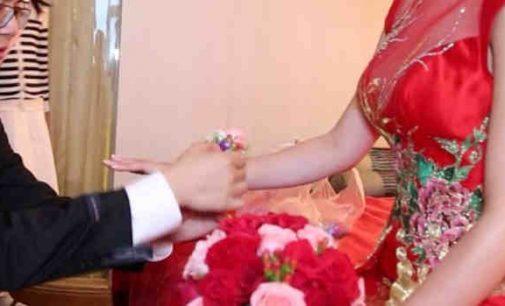 Pirmųjų vedybų skaičius Kinijoje per pastaruosius 6 metus sumažėjo 41 procentu