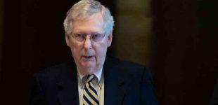 M. McConnellas teigia neapsisprendęs ar palaikys D. Trampo apkaltą, bet greitą apkaltos procesą Senate blokavo