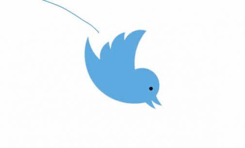 """""""Twitter"""" užblokavo naujienų svetainės paskyrą po pranešimo apie berniuko mirtį po vakcinos injekcijos"""