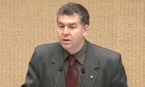 Prokuratūra  atsisakė pradėti ikiteisminį tyrimą dėl Seimo nario V. Rakučio straipsnyje paskelbtų teiginių