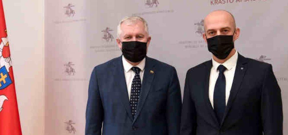 Krašto apsaugos ministras su STT direktoriumi aptarė korupcijos prevencijos svarbą