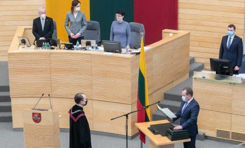 Seimo nario A. Skardžiaus priesaiką priėmė nepakeičiamas Konstitucinio Teismo pirmininkas Dainius Žalimas