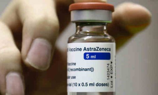 """""""AstraZeneca"""" iš tiesų sukelia trombozę, tačiau labai retais atvejais – EMA"""