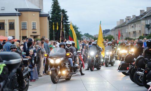 """Prie """"Didžiojo šeimų gynimo maršo 2021"""" prisijungs baikerių klubo """"Siena"""" motociklų kolona"""
