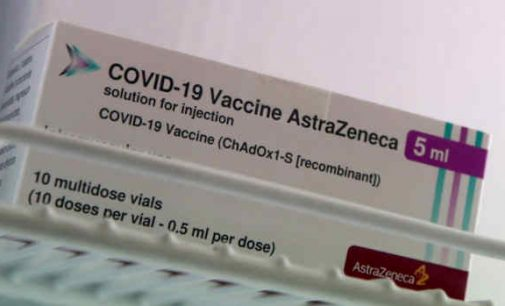 """SAM kviečia įmones vakcinuotis """"AstraZeneca"""" vakcina, klaidindama potencialius besiskiepijančius"""