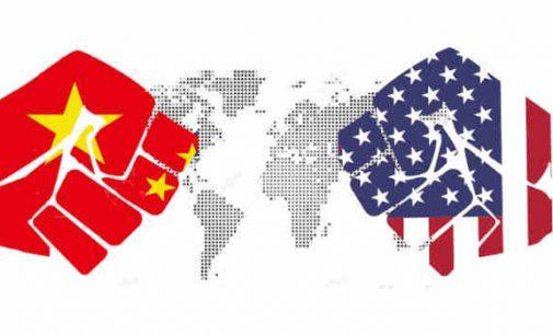 Pentagonas ir Kinijos oficialūs pareigūnai rengia atviras derybas praėjus kelioms savaitėms po AUKUS pakto
