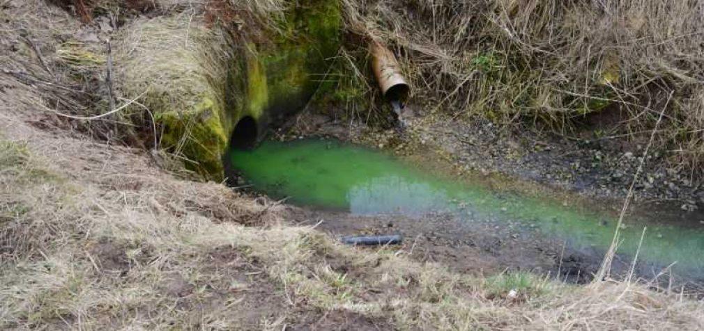 Gamindama ekologiškai švarių degalų komponentus įmonė teršė gamtą