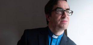 Pasisakiusį prieš LGBT propagandą dvasininką apkaltino terorizmu ir atleido iš darbo
