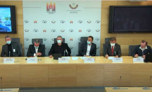 """""""Šeimų Sąjūdžio"""" atstovų apsilankymas Seimo regionų frakcijoje ir spaudos konferencija"""