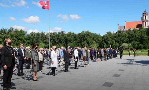 Lukiškių aikštėje paminėtos 80-osios pirmųjų masinių trėmimų metinės