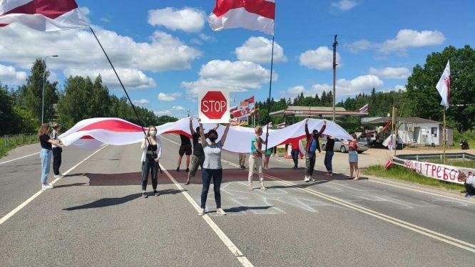 Baltarusiai blokuoja kelią