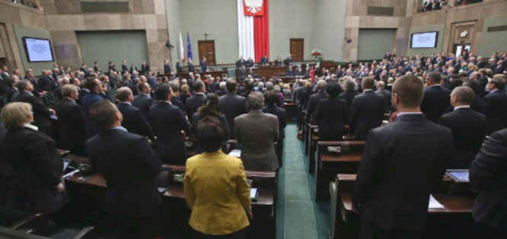 Izraelio su Lenkija santykiai balansuoja ant ribos dėl žydų nuosavybės Lenkijoje sugrąžinimo