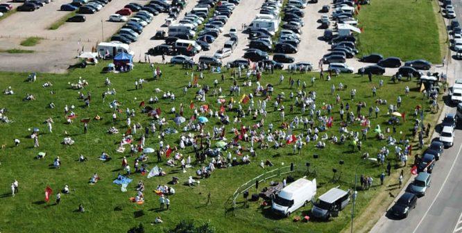 Birželio 15-16-17 protestų prie Seimo scena