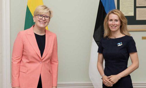 Estijos ministrė pirmininkė sutiko I Šimonytę prisisegusi nacionalinės vėliavos ženkliuką