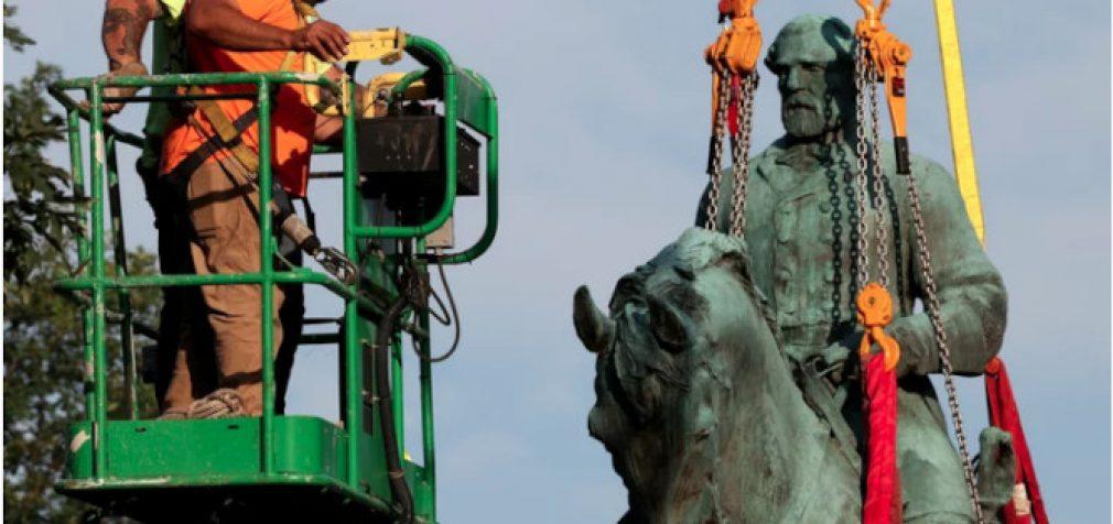 Kova su istorija: Virdžinijos valstijoje demontuoti paminklai generolams Robertui Li ir Tomui Džeksonui