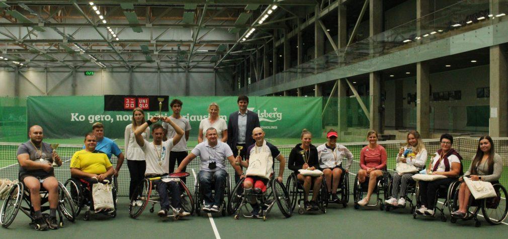 Žmonės neįgaliųjų vežimėliuose gali būti visaverčiais sportininkais