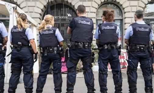 """Šveicarijos policija atmeta """"Great Reset"""": """"Mes dirbame žmonėms, o ne elitui"""""""