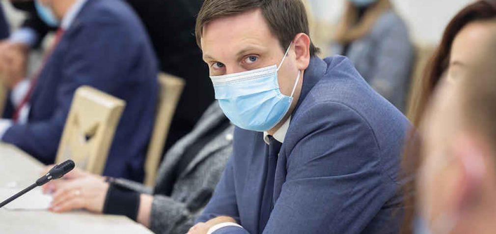Skvernelio Demokratų frakcija pandemijos valdymo kontrolės perdavimą Seimui aptars su Sveikatos teisės instituto atstovais